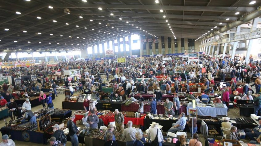 Tulsa Arms Show Outshines